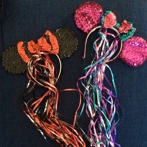 Vintage Disney Minnie Mouse ears with streamers